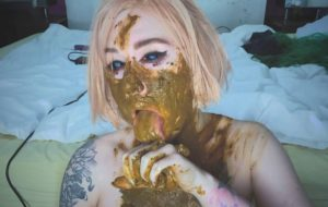 Shit obsessed girl made a mess with sweet betty parlouramateurs scat [FullHD / 2020]