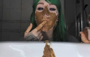 What's this? A girl with shit? Sweet Betty Parlour – Extreme Scat Girl