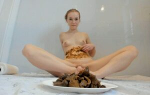The joy of smearing shit with LucyBelle Private Poop [FullHD]